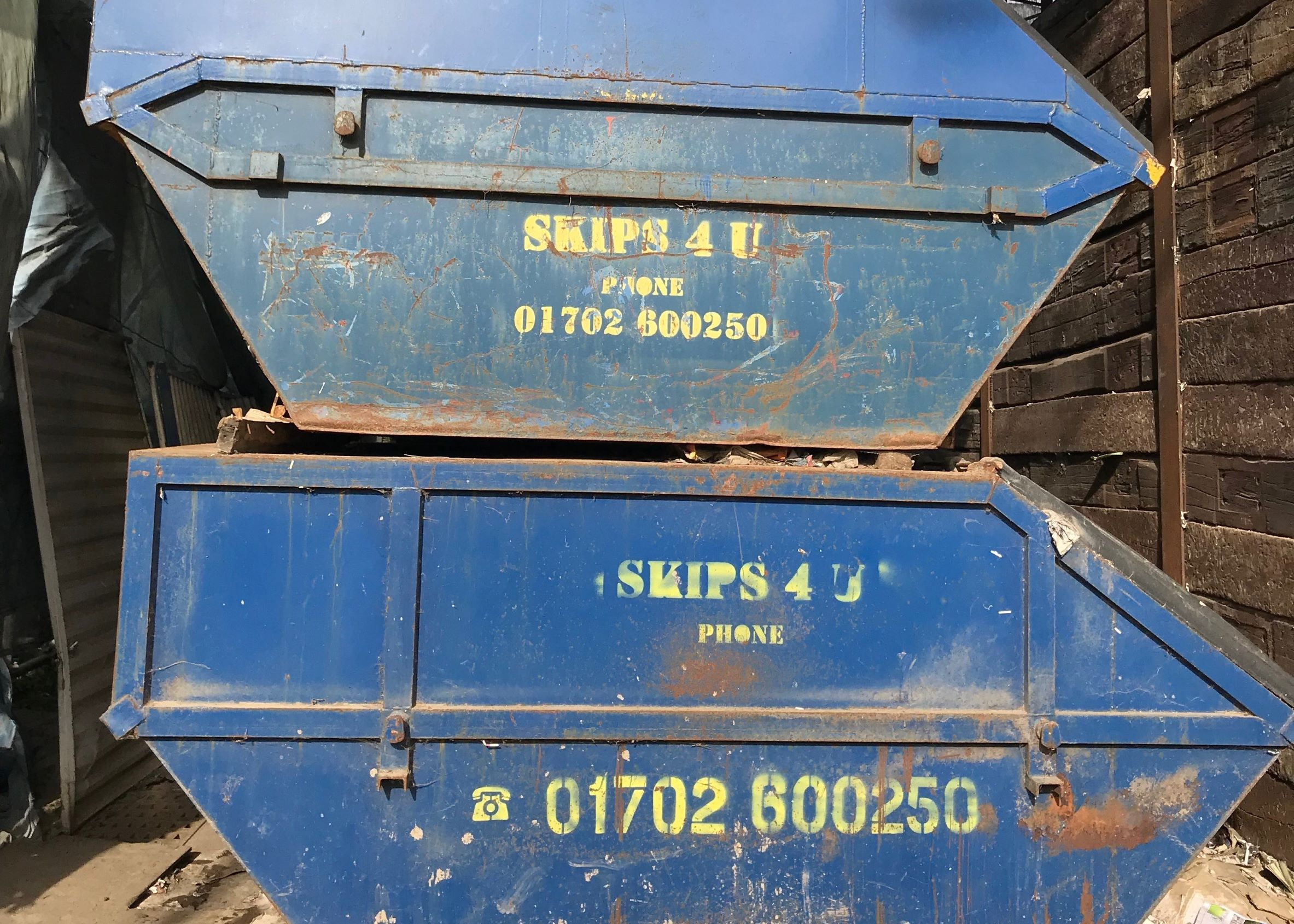 Findaskip Enclosed Skips