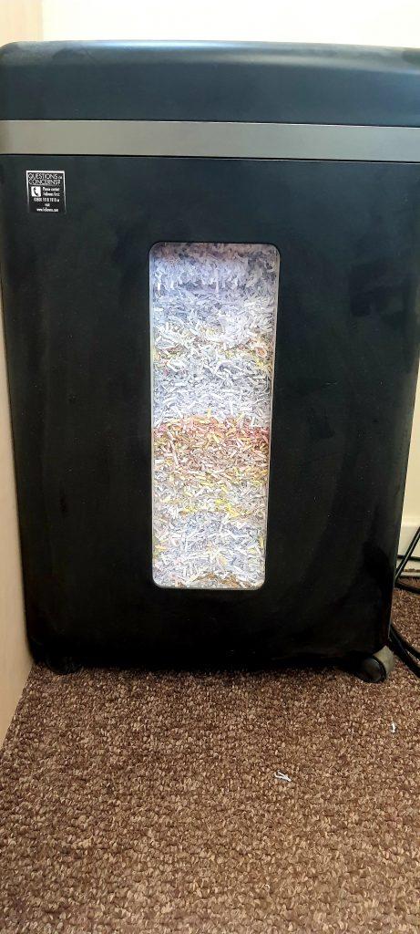 Shredding paper bin
